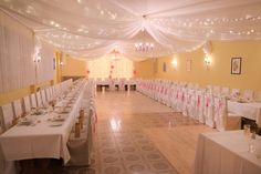 #wedding #vintagewedding #decor #vintage #hochzeit #esküvő #weddinglights #LEDlights #white #magenta Magenta, Lights, Warm, Lighting, Rope Lighting, Candles, Lanterns, Lamps, String Lights