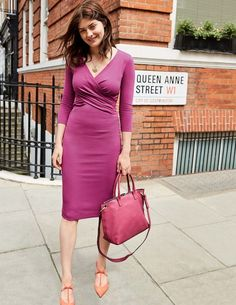 Gourmet dinner, glamorous party or after-work drinks – this ultra-feminine dress does it all (and then some). The fitted shape features ruching on the bust and body for pure flattery. Stretchy Ponte fabric skims and smoothes your figure for a confidence-boosting shape.