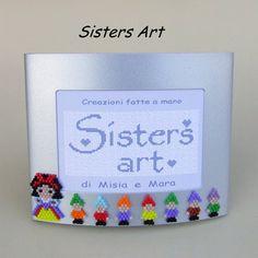 Portafoto Biancaneve e i 7 Nani, con decorazioni realizzate con perline Miyuki delica, by Sisters Art, in vendita su http://www.misshobby.com/it/negozi/sisters-art