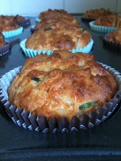 pinch of salt: Mature Cheddar and chive muffins