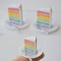 単品販売のパステルレインボーケーキのスライスですホールは食べきれないという方はこちらを…笑 2点のみです。 . BASEショップに11月27日(日曜日)21時販売分の作品を仮出品させて頂きました(価格等も記載してあります。リンクはプロフィールのHPより)✨