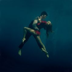 Underwater Tango by Katerina Bodrunova. wish I could pin it to my ballet board, but Tango is Tango :P Dance Photography, Underwater Photography, Couple Photography, Amazing Photography, Beauty Photography, Spring Photography, Wedding Photography, Photography Guide, Digital Photography