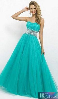 Isn't this dress adorable.