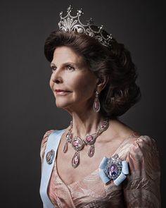 hjärtliga gratulationer på födelsedagen önskar 662 best Queen Sylvia of Sweden images on Pinterest | Royal  hjärtliga gratulationer på födelsedagen önskar