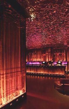 ¡Que siga la noche en nuestro bar favorito!