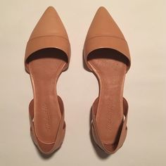 Madewell d'Orsay Flats Madewell leather d'Orsay flats in a gorgeous tan color, size 9.5 and true to size. Mint condition, never worn. A perfect closet staple. Madewell Shoes Flats & Loafers