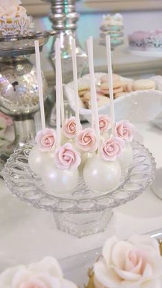 Cake pops for a gorgeous wedding! Cake pops for a gorgeous wedding! Princess Crown Cake, Baby Shower Cake Pops, Shower Cakes, Wedding Cake Pops, Wedding Cakes, Velvet Cake, Funny Bridal Shower Gifts, Cake Pop Designs, Magnum Paleta