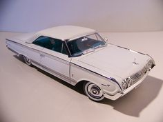 I love the gracefull lines of the original car, and Yat Ming have done a great job of replication on this model. Cedarville Ohio, Mercury Marauder, Edsel Ford, Mercury Cars, Lincoln Mercury, The Marauders, Diecast Model Cars, Ford Motor Company, Custom Cars