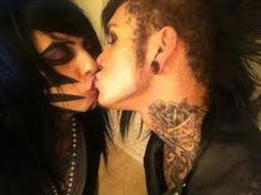 Dahvie Vanity and Jayy Von Monroe kiss <3 <3