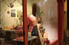 Pink Vintage/ Small Boutique Vintage Pink, Madrid, Home Appliances, Boutique, City, Furniture, Home Decor, House Appliances, Decoration Home