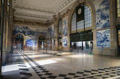 Wir zeigen dir alle wichtigen Sehenswürdigkeiten in Porto, geben dir Tipps zu Ausflügen und verraten dir den tollsten Aussichtspunkt.