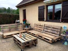Pallet Outdoor Furniture Set - 20 Pallet Ideas You Need To DIY Now | 101 Pallet Ideas