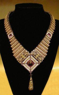 Mikki Ferrugiaro necklace is stunning! MonaRaeBeads.etsy.com
