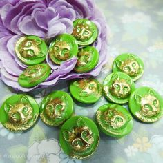 Buttons For Sale, Fancy Buttons, Vintage Buttons, Cat Lover Gifts, Cat Gifts, Small Paper Bags, Cat Themed Gifts, Picture Frame Decor, Making Glass
