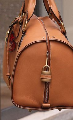 This is a gorgeous Chloe bag, but not quiet sure who decide to put a Louis Vuitton key chain on it. Prada, Beautiful Handbags, Beautiful Bags, Louis Vuitton Handbags, Purses And Handbags, Mk Handbags, Designer Handbags, Handbags Online, Designer Bags