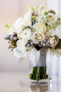 Classically Modern Chicago Wedding from Bliss Weddings and Events - Roey Yohai Photography; bridal bouquet