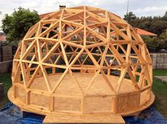 Now You Can Build ANY Shed In A Weekend Even If You've Zero Woodworking Experience! Start building amazing sheds the easier way with a collection of shed plans! Geodesic Dome Greenhouse, Geodesic Dome Homes, Yurt Home, Dome Structure, Diy Lampe, Bamboo House, Prefabricated Houses, Pergola Designs, Pergola Ideas
