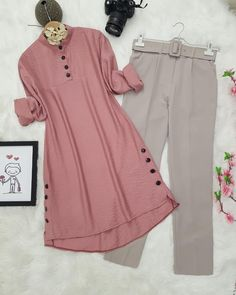 Simple Kurti Designs, Kurta Designs Women, Modesty Fashion, Muslim Fashion, Pakistani Fashion Party Wear, Baby Frocks Designs, Designer Party Wear Dresses, Sleeves Designs For Dresses, Modest Wear
