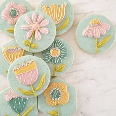 31 Mouth Watering Easter Cookies for Your Holiday Spread . Mother's Day Cookies, No Egg Cookies, Galletas Cookies, Fancy Cookies, Cute Cookies, Cupcake Cookies, Summer Cookies, Cookie Favors, Heart Cookies
