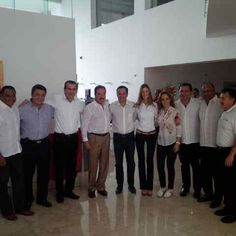 En algún lugar de #Cancún @Emilio_Gamboa @René Juárez @PaulCarrillo2 esperando resultados #Elecciones2013