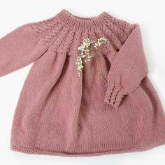 Hayatınızdaki sorunlara bakın ve kendinize şunu sorun: B. Girls Sweaters, Baby Sweaters, Sweaters For Women, Knitting Baby Girl, Knitting For Kids, Knit Fashion, Sweater Fashion, Crochet Girls Dress Pattern, Knitted Mittens Pattern