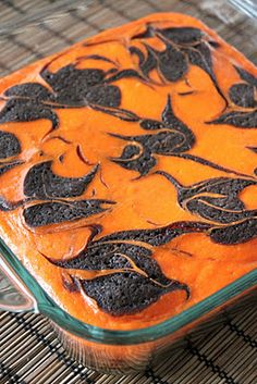 Baked Perfection: Cream Cheese Swirl Halloween Brownies and we have a winner! Baked Perfection: Cream Cheese Swirl Halloween Brownies and we have a winner! Halloween Brownies, Halloween Desserts, Halloween Fruit, Halloween Punch, Halloween Goodies, Halloween Cupcakes, Holidays Halloween, Halloween Treats, Happy Halloween
