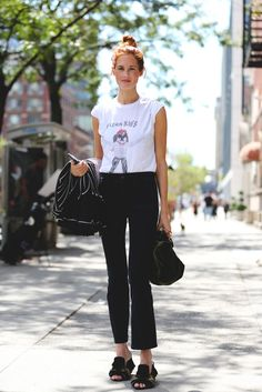 Cropped flares look super stylish with minimal effort required. #refinery29 http://www.refinery29.com/2016/09/120553/nyfw-spring-2017-best-street-style-outfits#slide-84