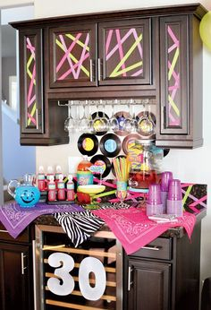 80s party neon drinks table