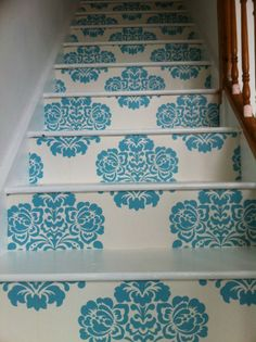 Love this idea, but maybe with a runner to tone it down. Wallpaper Decor - Easy DIY and Crafts Ideas