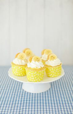 Banana Cream Pie Cupcakes...brings me back to my hostessing days at Baker's Square when I was 15...purposely messing up while cutting that slice of banana cream pie for a patron, just so *someone* would have to eat it. Must try these!