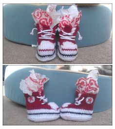 "and the Net Will Appear: Knitting Project - ""Converse"" Baby Booties! Clear Picture of procedure Knitting For Kids, Baby Knitting Patterns, Loom Knitting, Baby Patterns, Knitting Projects, Free Knitting, Knitting Stitches, Style Converse, Baby Converse"