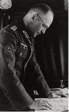 "Portrait du ""Generalmajor"" Hellmuth Thumm, commandant de la 5. Jäger-Division | Flickr - Photo Sharing!"