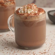 This delicious homemade hot chocolate is pretty much like drinking liquid chocolate in a mug. It's seriously the best hot chocolate you've ever tasted. Christmas Hot Chocolate, Hot Chocolate Mug, Homemade Hot Chocolate, Hot Chocolate Recipes, Sweets Recipes, Easter Recipes, Recipes Dinner, Comida Diy, Coffee Drink Recipes