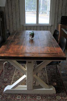 T-jalkainen lankkupöytä kierrätyspuusta Table Furniture, Dining Table, Rustic, Furnitures, Benches, Tables, Country, Home Decor, Banks