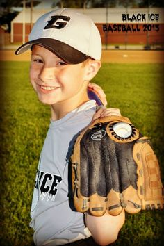 Baseball photo pose black ice Sports Pictures, Baseball Team Pictures, Softball Pics, Golf Pictures, Baseball Games, Baseball Jerseys, Baseball Mom, Soccer, Sport Photography
