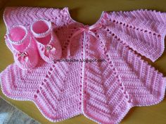 Simoni crochê: Casaquinho e sapatinho de crochê para bebe