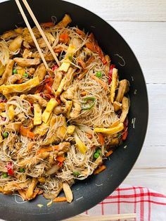 Romanian Food, Romanian Recipes, Yams, Japchae, Curry, Good Food, Healthy Recipes, Healthy Food, Dishes