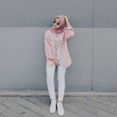 Hijab ootd hijab t shirt Modern Hijab Fashion, Street Hijab Fashion, Hijab Fashion Inspiration, Muslim Fashion, Fashion Pants, Fashion Outfits, Dress Fashion, Women's Fashion, Trendy Fashion
