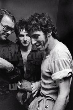 Google Image Result for http://www.urbanimage.tv/highlight_images/rock-and-pop-u2-early---backstage.bono_ab_n.jpg