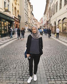 Modern Hijab Fashion, Street Hijab Fashion, Hijab Fashion Inspiration, Muslim Fashion, Modest Fashion, Fashion Outfits, Dress Fashion, Style Inspiration, Hijab Casual