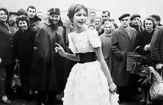 Anna Karina, French New Wave, French Movies, Jean Luc Godard, Vintage Love, Audrey Hepburn, Most Beautiful, Flower Girl Dresses, Poses