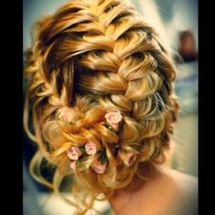 Beautiful braid! I wish I could pull that off