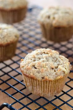 Apple Paleo Muffins -- 200 grams almond flour (about 2 cups) ½ teaspoon baking soda ⅛ teaspoon sea salt 2 teaspoons cinnamon 1 large apple, grated and drained 1 tablespoon lemon juice 3 eggs ¼ cup honey 2 tablespoons ghee, melted
