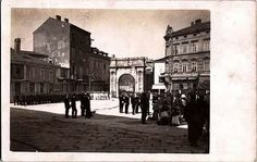 of June Portarata square with Sergi' s Arch Austro Hungarian, Pula, Arch, Louvre, Street View, Building, Travel, Longbow, Viajes