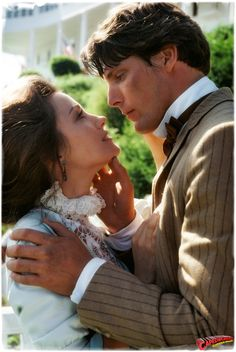 Somewhere in Time - Christopher Reeve and Jane Seymour---one of the most romantic movies ever! Richard Chamberlain, Jane Seymour, Love Movie, Movie Tv, Movies Showing, Movies And Tv Shows, Image Film, Christopher Reeve, Somewhere In Time