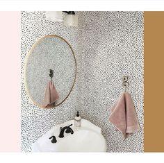 #kwantuminhuis Behang POLKA @helpinki Modern Industrial, Cozy House, Future House, Toilet, Sweet Home, Mirror, Interior Design, Home Decor, Design Interiors
