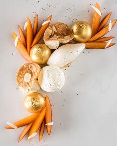 L'abricot verveine et amande fraîche à découvrir au restaurant gastronomique LE CAP au @fscapferrat photo par @cook_and_shoot #verveine #abricot #amande #ilovemyjob #chef #pastry #pastrychef #pastryart #pastryfood #lovemyjob #bestteam #lecap #frenchriviera #cotedazur #lovemyjob❤️ . Food N, Plated Desserts, Plating, Photos, Cooking Recipes, Breakfast, Instagram Posts, Marble, Cake