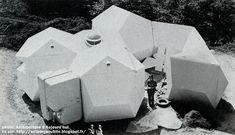 Do-Bausystem - Systeme Do - Maison de vacances plastique.  Conception: Polyteam: Jean-Claude Ventalon, Ana Sklenar - Université de Stuttgart.  Fabrication: Fibron, Bretten, Allemagne.   Création: 1970 - 1971