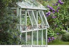 Resultado de imagem para estufas de vidro para jardim