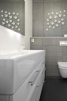 . Interior Inspiration, Bathtub, Bath Room, Storage, Condo, House, Standing Bath, Washroom, Purse Storage